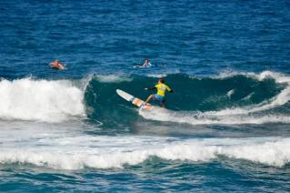 ®Benoit-CARPENTIER-longboard-2014-EUROSURF-Junior-ACORES-action5©FFS