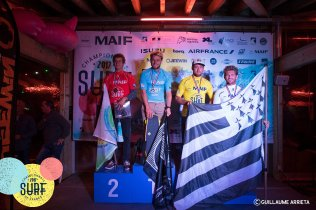 ®Benoit-CARPENTIER-SUPsurf-podium-ChampionnatsDeFrance-Hossegor-2017-©-FFS