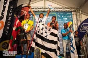 ®Benoit-CARPENTIER-HOSSEGOR-Championnats-de-France-2018-podium-SUPsurf-©-WeCreative/FFS-1